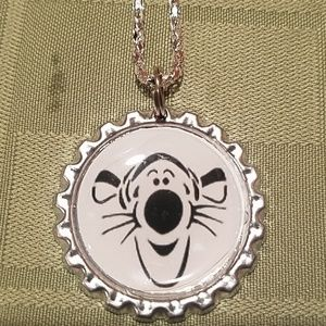 Jewelry - New winnie the pooh tigger necklace